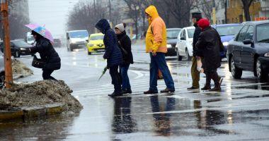 Ploi torenţiale, astăzi, la Constanţa