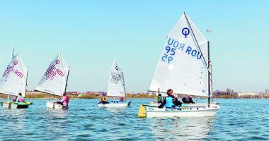 Yachtingul, spectacol cu vele, pe litoral