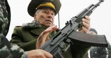 Mihail Kalaşnikov, inventatorul armei automate AK-47, a murit