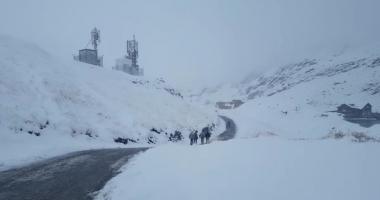 Aproximativ 60 de turiști au rămas blocați pe platoul Bucegi
