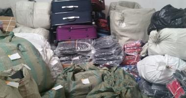 Zece TIR-uri cu cadouri de Crăciun, confiscate de inspectorii antifraudă
