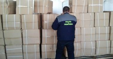 Zeci de mărfuri contrafăcute, confiscate  în Portul Constanţa