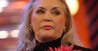 Zina Dumitrescu, răsfăţ culinar cu… gogoşi