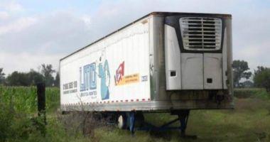 Scandal din cauza unui camion cu 300 de cadavre la bord, folosit pe post de morgă