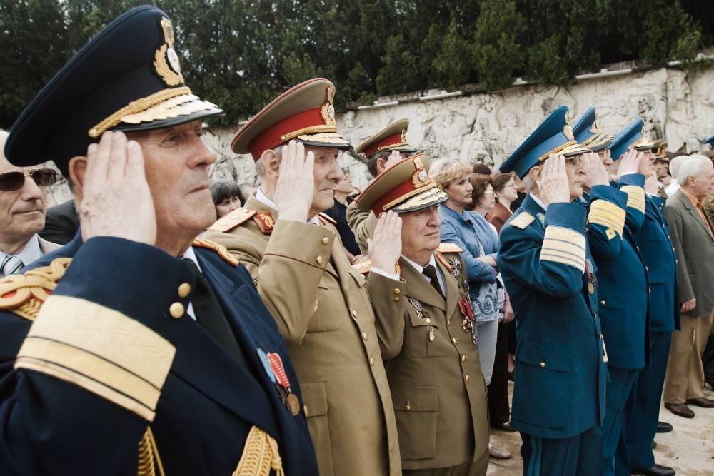 pensii militare revizuite ultimele stiri