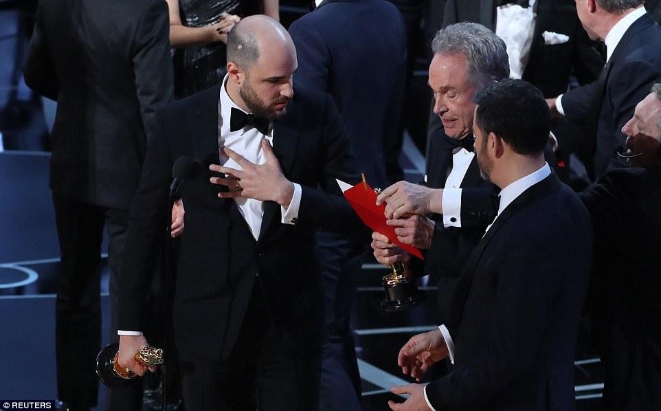 Galerie foto - video  Oscar 2017  Gafă uriaşă la premiile