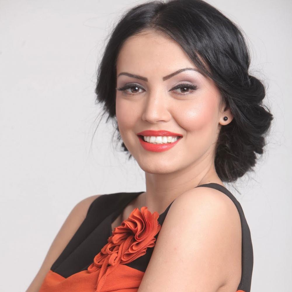 Make-up:ochi de pisica   Andreea Mantea