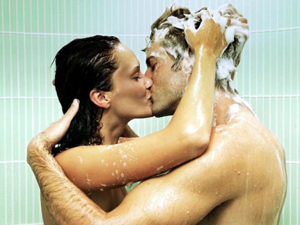 Сексуальное фото в душе 14 фотография