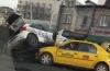 ACCIDENT GRAV! Maşină de poliţie răsturnată peste un taxi. Victima, o poliţistă