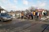 O femeie a murit după ce maşina în care se afla a fost lovită de tren